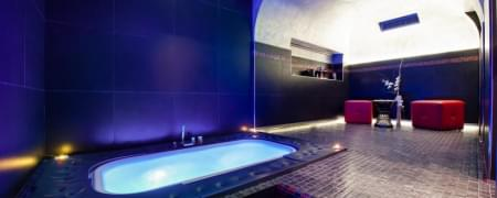 Camera in day use + Suite spa privata + massaggio relax 50 minuti di coppia